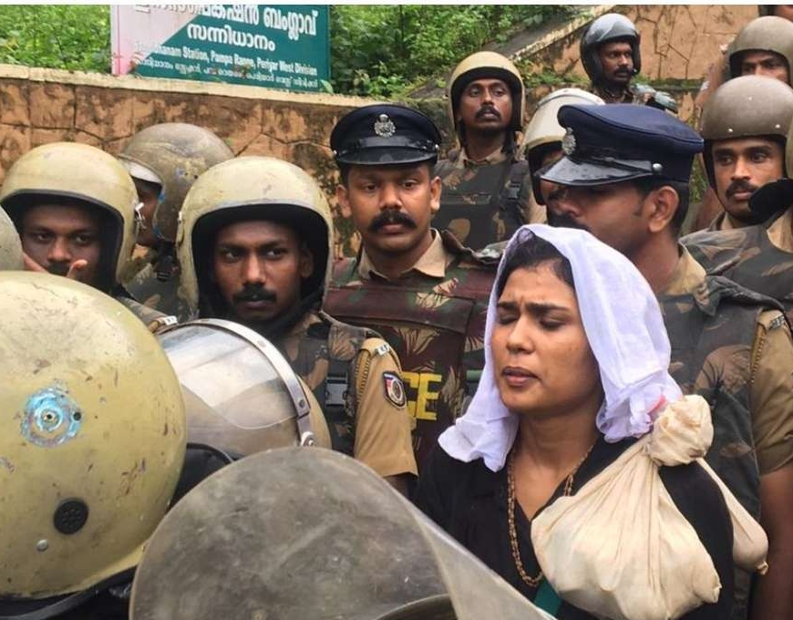 2 women enter Sabarimalani hindu temple